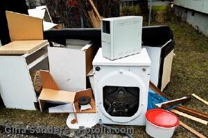 Elektrogeräte entsorgen – wie lassen sich alte Elektrogeräte wegschmeißen?