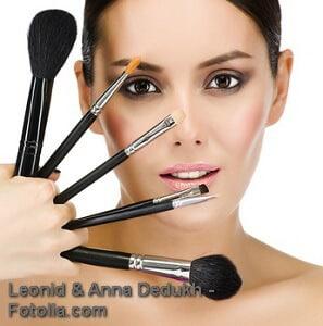 Gesicht schmaler schminken – Anleitung und Tipps
