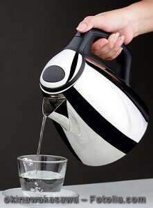 Wasserkocher entkalken – Anleitung, Tipps und Hilfsmittel
