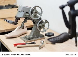 Schuhe weiten – Tipps gegen drückende Schuhe