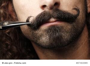 Schnurrbart schneiden – bring den Bart in Form – Anleitung
