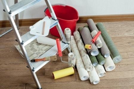 selbst tapezieren ganz einfach mit unseren tapeziertipps. Black Bedroom Furniture Sets. Home Design Ideas