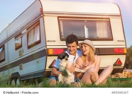 Urlaub mit Erinnerung: Wohnmobile und Wohnwagen sind ein anhaltender Reisetrend