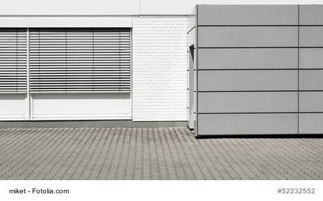 Mit Rollläden die Fenster vor neugierigen Blicken, Einbrechern und Witterung schützen