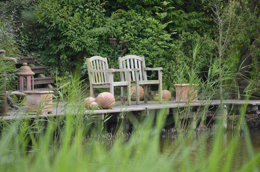 Die einzelnen Arten von schönen und zweckmäßigen Gartenmöbeln