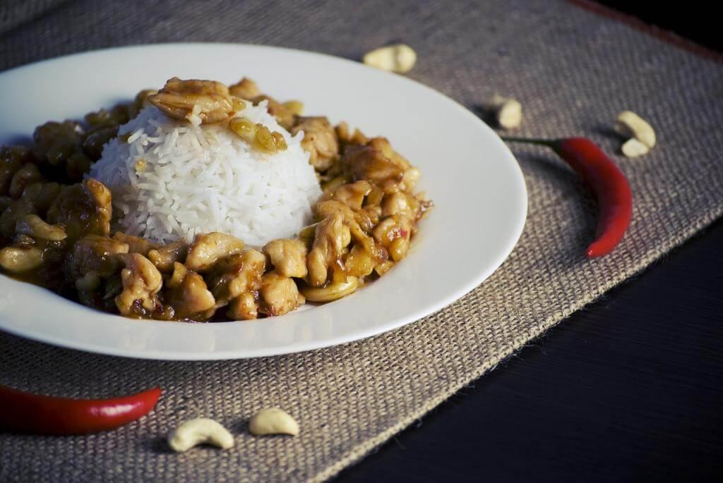 Reis und Hühnchen? Fitnessfood für optimalen Muskelaufbau