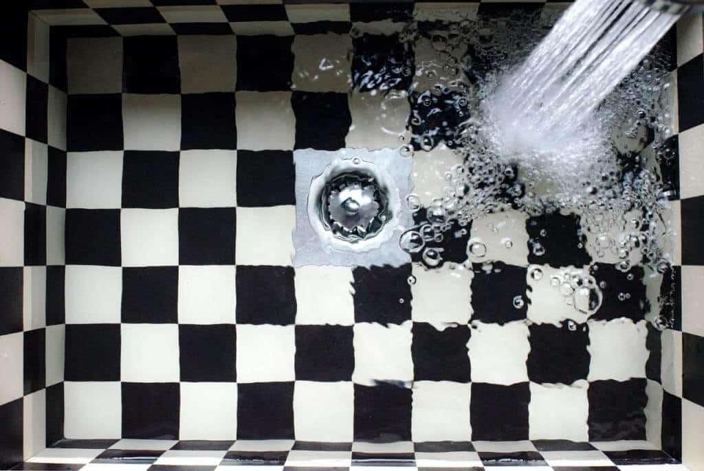 Wenn der Abfluss mal verstopft ist – Kleiner Ratgeber für haarige Situationen