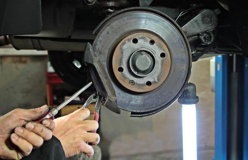 So sparen Sie bares Geld: Mit passenden Autoteilen Reparaturen selbst durchführen