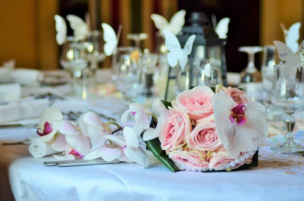 5 stilvolle Ideen für die Tischdekoration zur Hochzeit