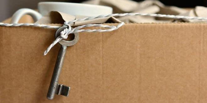 Umzugsunternehmen vs. Umzug in Eigenregie: Lohnen sich die professionellen Möbelpacker?