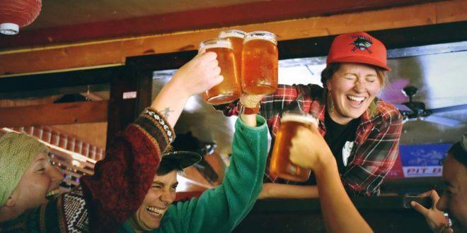 Ideen und Tipps für eine unvergessliche Bad Taste Party