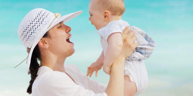 Was können Eltern tun, wenn das Baby schwitzt?