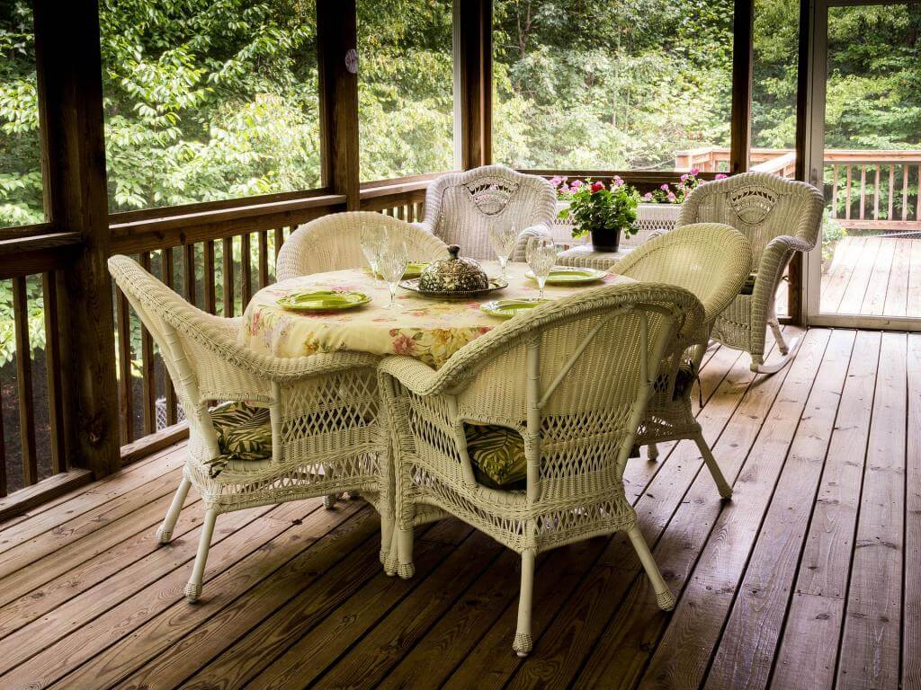 screened-porch-670263_1920