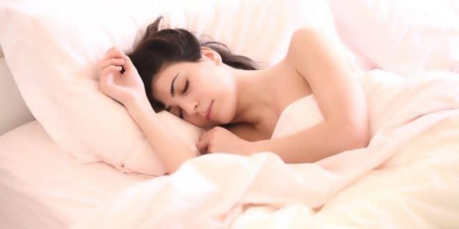 Welches CBD Öl eignet sich bei Schlafstörungen?