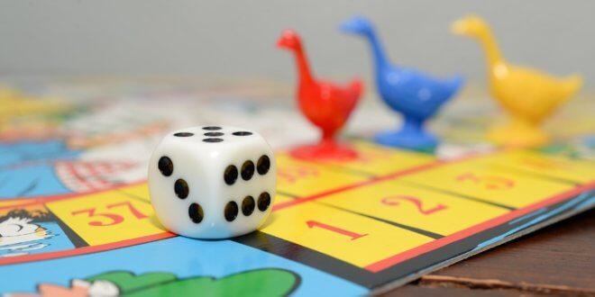 Familienspiele – Generationen finden für den Spielspaß friedlich zusammen?